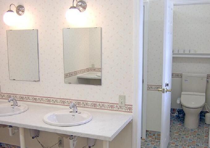 綺麗で快適なパブリックトイレ